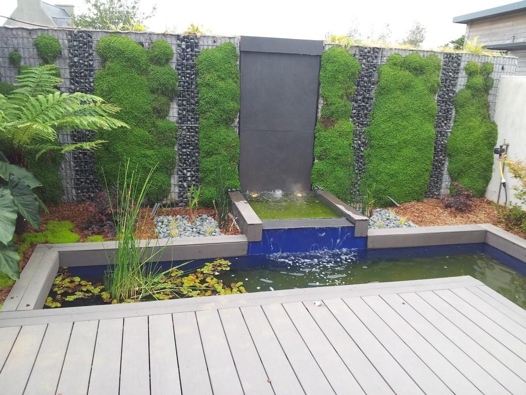 Mur d'eau et bassin